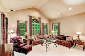 Bright and Cozy Family Room