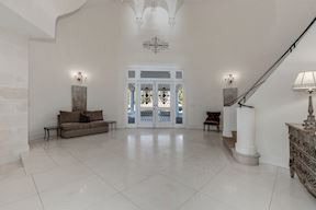 Grand Foyer & Curved Stair