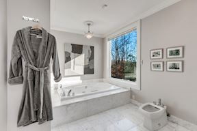 Luxury Master  Bath #2 Suite w/ Waterside  Jetted Tub