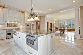 Open Plan Kitchen with Entertainer's Island