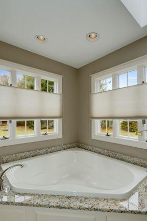 Luxury Master Soaking Tub