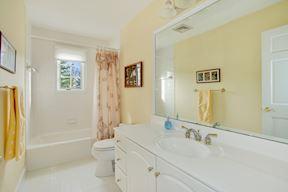 Bright & Cheerful  Shared Full Bath