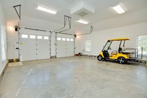 Detached Garage w/ High Ceilings For Car Lift Option