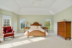 Waterside Master Bedroom Suite w/ Tray Ceiling