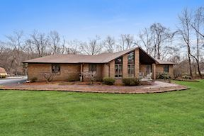 2011 TWIN LAKES DR