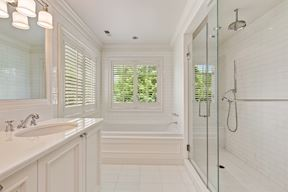 Spa-like Soaking Tub & Glass Encl. Shower