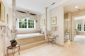 Spa-like Master Bath with Jetted Tub