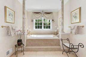 Light & Bright Bath and Custom Window Treatments