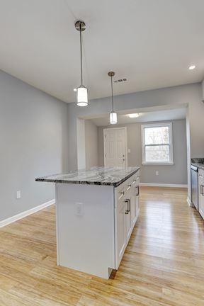Kitchen Island & Breakfast Room
