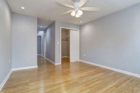 Master Suite Walk-In Closet