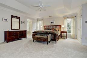 Master Suite w/ Sitting Room