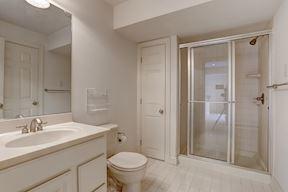 Dual Entry Bath
